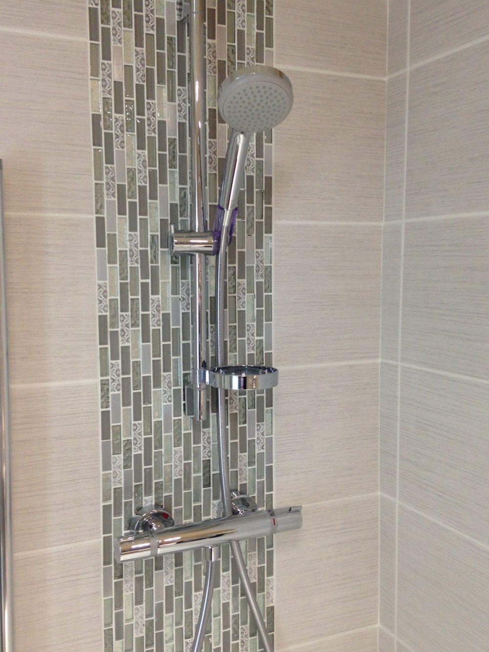 Koondo - silver mosaic tiles